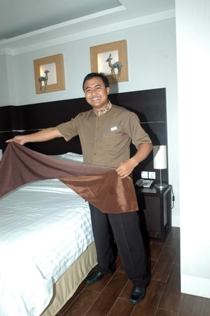 Call 0811-190-500 or 0815-8390-500 for Consultation SERAGAM HOTEL ASTON BOGOR (FOTO)